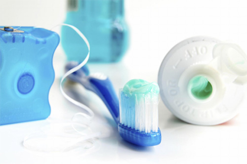 This is the image for the news article titled Should You Floss Before or After Brushing?